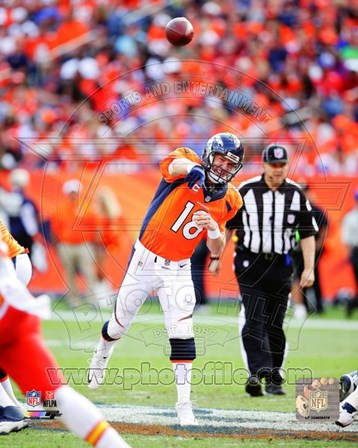 Peyton Manning 2014 Passing the ball art print